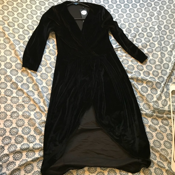 b6c55276dd6ff Boohoo Dresses   Velvet Slit Wrap Midi Dress Nwt   Poshmark